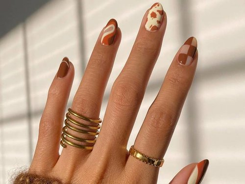 '70s-Inspired Nail Art Ideas for 2021