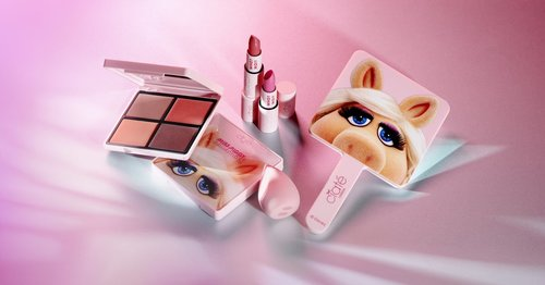 There's a Miss Piggy-Themed Makeup Collection, and It's the Throwback We All Deserve