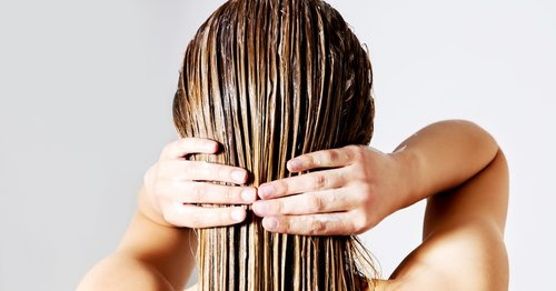 5 DIY Hair Masks You Can Whip Up at Home to Hydrate, Restore, and Detox