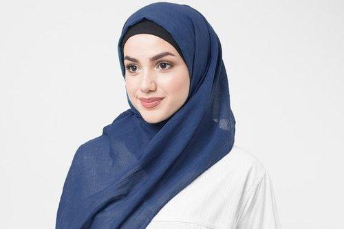5 Warna Hijab yang Cocok untuk Kulit Kuning Langsat Biar Tak Pucat