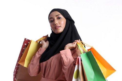 "<div class=""m-insider-story-title2""> <div class=""articlesCategory2"">ARTICLE</div> <a style="""" href=""https://hijab.dream.co.id/mix-and-match/5-fashion-item-yang-banyak-diburu-oleh-hijabers-190320h.html"" target=""_blank"" rel=""nofollow""  data-transition=""fade"" data-persist-ajax=""false"" data-ignore=""true"" class=""photoImageWrapper "" data-youid=""""> 5 Fashion Item yang Banyak Diburu Hijabers</a></div><div class=""photoCaption"">Kamu pasti punya salah satunya.</div><div class=""articlesComment2"">Simak juga artikel menarik lainnya di Article Section pada Clozette App. </div>"