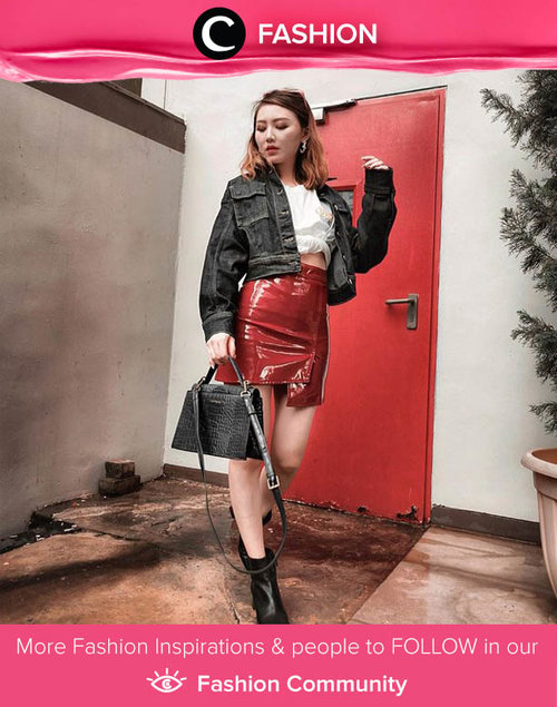 Are you feeling extra today? Mix everything bold into one look like Clozette Ambassador @vicisienna with her latex skirt, croco bag, and leather boots! Simak Fashion Update ala clozetters lainnya hari ini di Fashion Community. Yuk, share outfit favorit kamu bersama Clozette.