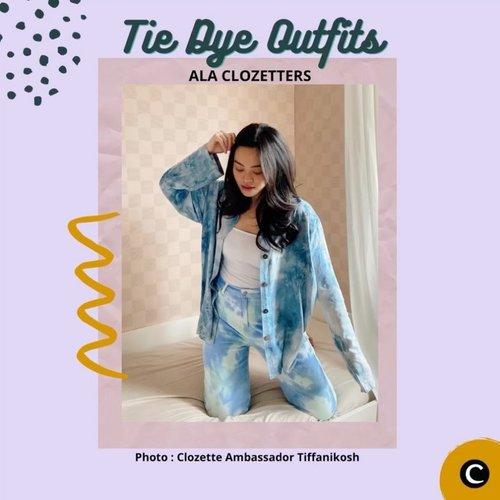 Teknik tie dye atau jumputan sudah ada di Indonesia sejak tahun 1960-an. Namun, fashion tie-dye kini kembali menjadi tren. Bahkan high-end fashion brand, Prada, juga memproduksi rancangan bermotif abstrak dan penuh warna ini. Yuk, intip tie dye outfits ala Clozetters pada video berikut.  📷@tiffanikosh @wynneprasetyo @priscaangelina @steviiewong @budiartiannisa  #ClozetteID #ClozetteIDVideo #tiedye