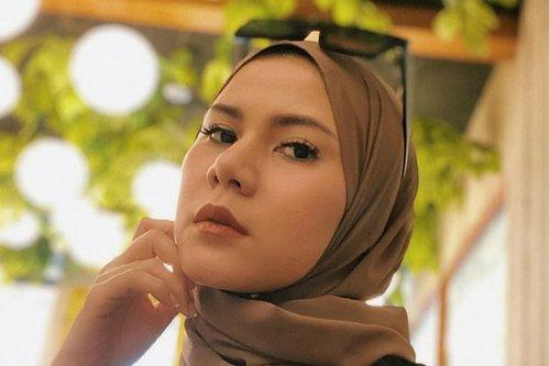 Tips Cynthia Ramlan Memilih Ciput Hijab yang Nyaman