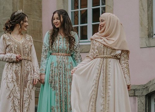 Moroccan Traditional Dresses/Caftans Inspiration - Hijab Fashion Inspiration
