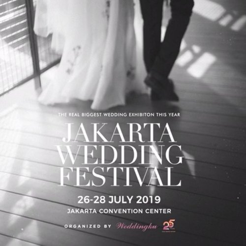 @weddingku and @dyandrapromosindo present The Real Biggest Wedding Exhibition This Year, Jakarta Wedding Festival! Mark your calendar 26-28 July 2019 at Jakarta Convention Center. Starting soon we will be giving more information, so stay tuned! #JWF2019.Photography : @davidsalimphotographyVideography : @panjiindraMakeup & Hairdo: @priscillamyrna Dress: @satustudiosHair Accessories: @rinaldyyunardiJewelry: @franknco_id Suit: @wonghangtailor Muse: @judithayu & @kevibrahim from @theateam_mgtStylist: @sekarlarasati.Jakarta Wedding Festival is organized by @weddingku and @dyandrapromosindo.#ClozetteID