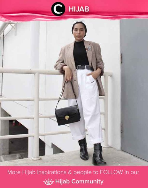 Going to be a little bit busy today? Enhance your outfit by trying Clozette Ambassador @ladyulia look with oversized blazer, white mom jeans, and statement boots. Simak inspirasi gaya Hijab dari para Clozetters hari ini di Hijab Community. Yuk, share juga gaya hijab andalan kamu.