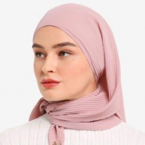 Trend to Try: Hijab Pashmina Plisket yang Anti Kusut