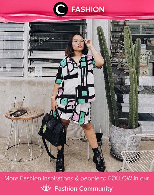 Steal Clozetter @ubbyxx way to elevate your home wear set: pair them with statement shoes and bold bag! Simak Fashion Update ala clozetters lainnya hari ini di Fashion Community. Yuk, share outfit favorit kamu bersama Clozette.