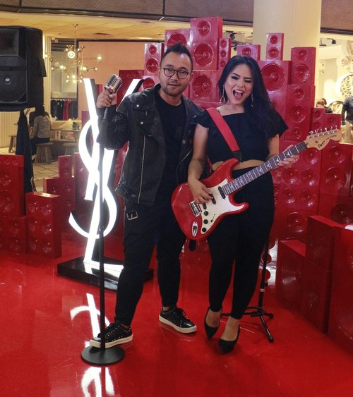 Thank you @yslbeauty @anggarahman . So much funn!!. . #yslbeautyid #yslindonesia #event #launch #lipstick #lippielovers #rockstar #rock #rockyourday #mylipvibes #instabeauty #clozetteid #makeupwithregina #beautynesiamember #indobeautyinfluencer