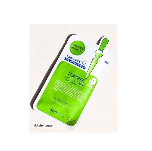 "#reviews MEDIHEAL ""Care Solution Essential Mask EX""...Teatree Mask is a mask that can irritate and refresh the skin without feeling sticky after you use it... 💦TEXTURE AND SCENT: In terms of texture, this mask is white like a wet tissue and has a clear, rather thick essence... 📦PACKAGING: In terms of packaging the mask is wrapped in green and white plastic, according to the color of the tea.  Good size and practical. 🍃 HOW TO USE: Rub the toner on the face that has been cleaned.  Remove and remove the mask from the package, and put the sheet on the face. Rest comfortably for 10 - 20 minutes then take off the mask...🍁Review: Masks are very useful masks to overcome skin problems such as acne and oily skin.  I wear this when the skin is problematic, the effect of moisturizing and calming the skin is very felt.  The essence that I use a lot after wearing these masks, is applied over the surface of the mask for maximum results.  I recommend using this mask for oily skin with extra tea tree which is known to be able to control excess oil... 🌿INGREDIENTS: Water, tea tree leaf oil, tea tree extract, willow bark extract, centella asiatica extract, hottuynia cordata extract, soybean seed extract, pea extract, sage extract, lavender extract, matricaria extract, rosemary extract, cymbopogon schoenanthus extract, Boswellia serrata resin extract , glycerin, propanediol, 1,2 hexanediol, xanthan gum, butylene glycol, panthenol, trehalose, betaine, carbomer, allantoin, polysorbate 80, arginine, disodium EDTA, dipotassium glycyrrhizate, tocopheryl acetate...🙌🏻 Attention: The above review is based on my experience, and the results depend on each of your skin...🙏 How about you?  Attracted to try it ???... 🌟 Rate: 5/5..🔖 Buy at @altheakorea"
