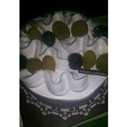 terimakasih♥ #birthdaycake #cake #touslesjours #birthday #present #thanks #instabday #instamoment #InstaMagAndroid #clozetteid