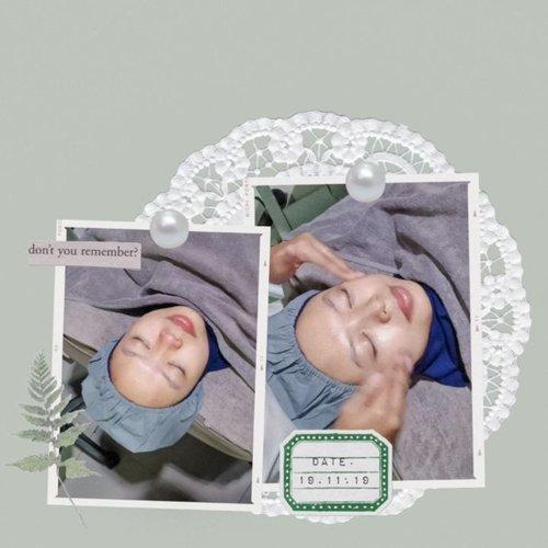 •Facial Treatment Signature DPCT (Deep Pore Cleansing Therapy) di #ERHAClinic Depok selalu menyenangkan buat saya. Pelayanannya ramah, produknya cocok di wajah, dan hasilnya kulit makin kenyal plus bersih! 😍 Treatment kali ini saya pakai Collagen Serum supaya kulitnya lebih lembab dan kenyal. Gimana dengan kamu, tertarik untuk mencoba? Yuk kunjungi klinik @erha.dermatology terdekat!_____________________About Erha : https://www.erha.co.idunidzalika : https://www.unidzalika.com_____________________#Secondofeverything#MedicalFacial #clozetteid#ERHASkinHairAndLaserExpert#ERHAonREPEAT#TerjebakERHA