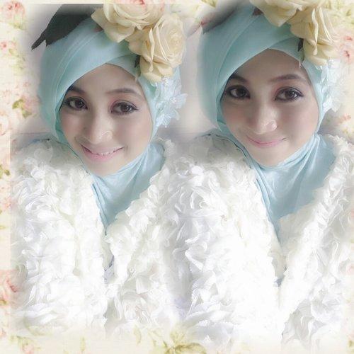 love flower ^^ #ClozetteID #HOTD #ScarfMagz #me #hijab #flower #brokenwhite
