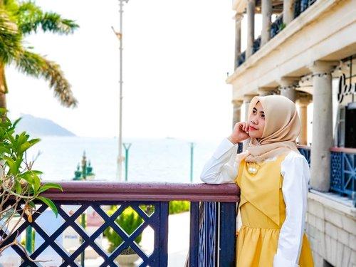 Gut nite, Semoga kalian mimpiin akiuuu yakk 😂 . . #ClozetteID #hijaberstyle #hijabers_indonesia #photooftheday #hijabootd #hijabstyle #hijabfashion #hijabers #hijabkekinian #hijabinspired #hijaberoftheday #ootdhijab #ootdhijabindo #ootdhijabindonesia #ootdhijabers #trendhijabootd #dailyhijabootd #dailyhijabstory #dailyhijabstyle #hijabstyleindonesia #hijaberideas #lookbookhijab #inspirasihijabstyle #endorsement #hijabootdstyle #endorseindonesia #endorseolshop #endorseselebgram #endorsehijab #endorseoutfit