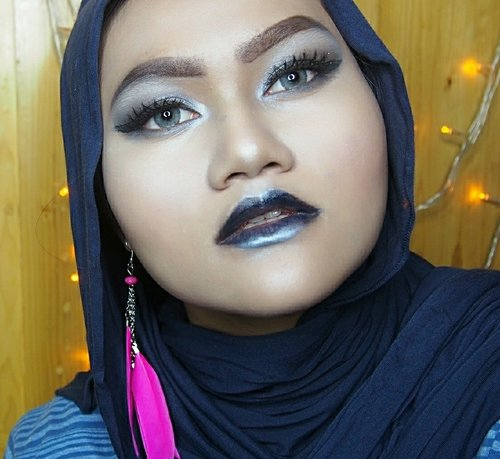 Polka Eye & Brow Lacquer is such a genius product! The shape is pretty gewd just looks like a lipcream but it's an eye and brow lacquer God!  This is my answer to the #showmustbrowonchallenge by @polkacosmetics  Wish Me Luck  Xoxo . . . @bvlogger.id #bvloggerid #neverstoplearning #mualyfe #makeupartistjakarta #muajkt #beautyblogger #bvloggerindonesia #beautyreview #beautynesiamember #makeupjunkie #playingwithmakeup  #muajakarta #muajkt #underratedmuas #ibubekerjadirumah #bismillah #beautybloggerid #undiscovered_mua #Clozetteid