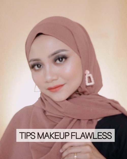 Jujur ini ini jarang banget terjadi 🤭, makeup nempol kayak gini saat filming , yang paling  penting di complexion sih, jadi point di tips kali ini Yang pertama  pakai brush dulu kemudian yang kedua baru lanjut tab tab foundationnya pakai beauty spons...Product used :Catrice all matte plus foundation , ambar beigeFlat Brush foundation o.two.o Beauty spons imagicUltima translucent face powder , neautralMartinez loose powder, 01 lightImagic eyebrow pencilAbsolute professional eyeshadow palatte Pixy twins blushEmina blush Novo highligterMakeover satin matte lipstik..@ragam_kecantikan @cerita.cantik @indobeautygram#makeovertransferproofmattelipcream #socobox #soco #makeuptutorialindonesia #toptags @top.tags #cosmetic #cosmetics #likes  #foundation #beauty #beautyantusiat #cccushion #beautybloggerindonesia #makassar #contentcreator #Uswahmakeuptutorial  #makeuppemula #makeupaddict #makepgirlz #beautycontentcreatormakassar #beautybloggerindonesia #judbear #shapemask #vshapemask #clozetteid #indobeautygram