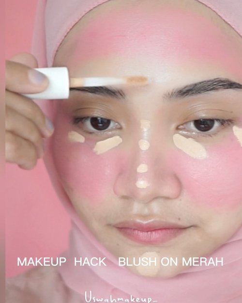 Nyobain yang lagi trend nih, blush on merah... sampai ke jidad 😬 , hasil 15 menit pertama masih OK tapi lewat dua jam uda merah semua mukanya kayak udang rebus, cuman lupa aku fotoin 🤣 . . Ib @lenkalul  . . #makeuphacks #makeupviral #makeupturorial #uswahmakeuptutorial #clozetteid #beautytips #beautyguru #makassarhits #beautyvlogger #uswahmakeuptutorial #beautybloggerindonesia #beautybloggers #rolloverreaction #facemist #nyxsoftmattelipcream #face2face #wardahperfectbrightbbpowder #jakartabeautyblogger #bbpowder #instagram #ceritacantik