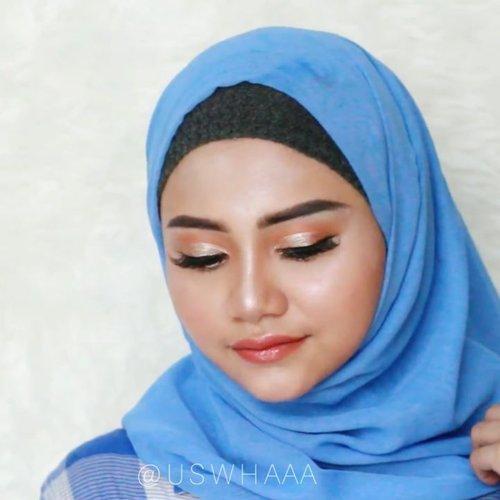 Lanjutan Tutorial aku buat esedo yang look  kemaren , jangan  bosen2 yah 😘 ☺️ ... Product Used @bioaqua.indonesia , Aloe Vera@flormarindonesia , lip balm@catrice.cosmetics , galactic hughligter @focallurebeauty , foundation@otwoocosmetics#cotyairspunpowder tranclucent@pondsindonesia , BB@anastasiabeverlyhills , Pomade brow@catrice.cosmetics , concealer Ultra HD #beautyglazed eyeshadow palatte @catrice.cosmetics , eyeshadow liquid @artisanpro , Touche 6470@elfcosmetics blush on palatte@beautycreations.cosmetics ,highlighert@nyxcosmetics_indonesia , Lipcream lingerie@flormarindonesia , lip glossy ..@cerita.cantik , @buat.cantik #livingcoral2019 @bunnyneedsmakeup @tutorialmakeupkece @indobeautygram #makeup #instamakeup #toptags @top.tags #cosmetic #cosmetics #likes #concealer #foundation  #eyebrows #lashes #catriceindonesia #beauty #beautyantusiat #beautybloggermakassar #beautybloggerindonesia #makassar #pixybasemakeup @tips__kecantikan @wakeupandmakeup #brushfocallure #Uswahmakeuptutorial  #clozetteid #cotyairspunpowder #glassskin #catriceindonesia #glassskinmakeup