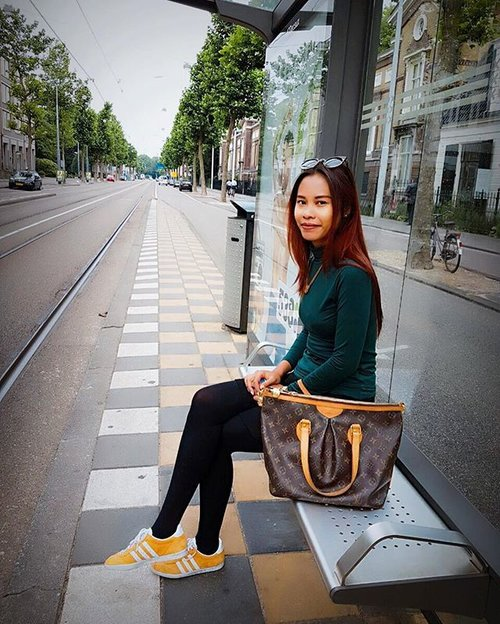 The Tram ❤️ #travelgram #fashionlover #indonesianlivinginbangkok #cathrinezieholiday #holiday #starclozetter #clozetteid #amsterdam #holland #adidasgazelleog #indonesianlivinginbangkok #travelblogger #beautyblogger #travelgram #ootdindo #ootd #like4like #summer #holidayisover