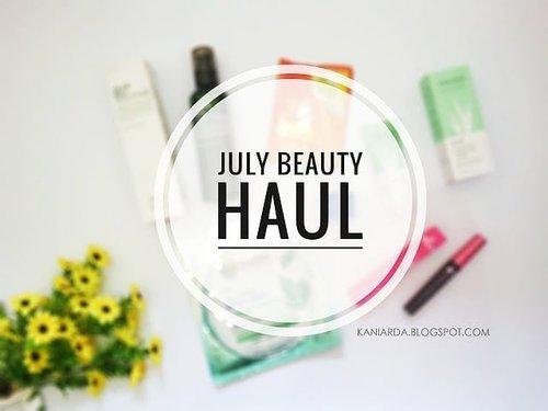 [NEW POST] LINK ON BIO Hai, aku mau share beauty products apa aja yang aku beli di bulan ini. Sebagian repurchase, sebagian kepo makanya beli. Klik link di bio ku untuk baca full artikelnya ya!😄 #clozetteid #beauty #makeupreview #skincarereview #setterspace #bloggerperempuan #beautybloggerid #BeautyChannelID #BeautyGoersID #beautybloggerindonesia #tampilcantik #bvloggerid #indonesianbeautyblogger #bunnyneedsmakeup #wakeupandmakeup #femaledailynetwork #bloggersemarang #beautybloggersemarang #indonesianbeautyinfluencer #bloggerbabes #indonesianfemalebloggers #thefridaygirl