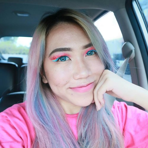 Watermelon 🍉 on my eyes using @absolutenewyork_id #CottonCandyLiners Lemon Drop 💛 & Jelly Bean 💙  In love with my Veronica Blue lens by @davinciolshop 👀  _________________________________________ Brushes by @amyrairzanti 😻💕