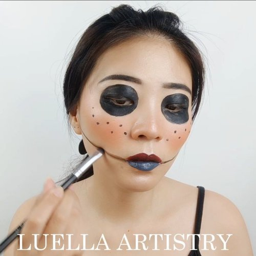 C.O.R.A.L.I.N.E.Tutorial DAY 3 for #31daysofhalloween.Product details:@mehronmakeup Facepaint@tasyafarasya The needs palette@cathydollindonesia eyeliner + upper lips@nyxcosmetics_indonesia under lips.Inspired @kevinrupard.🎶 Gottasadae - Bewhy💻 Corel Video Studio......#luellaartistry #luellatutorial #clozzetebeauty #clozetteid #makeupbarenginivindy #kipaart #halloween2019 #halloweenideas2019