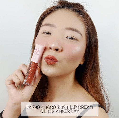 SWATCH LIP CREAM TERBARU dari @fanbocosmetics nih! . ✔️ Brand lokal ✔️ Harga terjangkau ✔️ Cuco meong dipake buat daily . Shade favorit kalian yang mana nih? Kalau aku suka Rouge In Minute dan Honey Month!!! 💋 . . . . #fanbochocolipcream  #fanbocosmetics  #beautyinfluindoxfanbo #luellaartistry #luellabrandcollab #swatchfanbolipcream #facepaintingideas #artsymakeup #makeuppemula #makeupremaja #makeuptransformation #tutorialmakeup #beautyvlogger #beautybloggerindonesia #beautybloggerbandung #beautyvloggerbandung #bandungbeautyblogger #bandungbeautyvlogger #clozzetebeauty  #Clozetteid