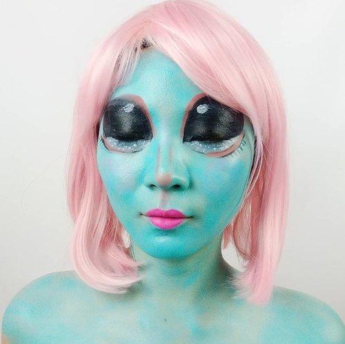 A.L.I.E.N.S. talk to me! . Product details @mehronmakeup Paradise @imagiccosmetics Facepaint @nyxcosmetics_indonesia Liquid Lipstick @inivindy Magic Palette . . Inpired @tinkeringbeauty . . . . . . . #luellaartistry #luellamakeup #alienmakeup #alienfacepaint #monstermakeup #cartoonmakeup #facepaintingideas #artsymakeup #makeuppemula #makeupremaja #makeuptransformation #tutorialmakeup #beautyvlogger #beautybloggerindonesia #beautybloggerbandung #beautyvloggerbandung #bandungbeautyblogger #bandungbeautyvlogger #clozzetebeauty  #Clozetteid
