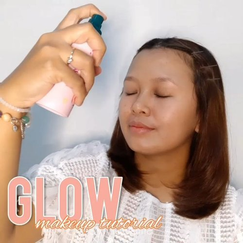Heyy balik lagi sama makeup tutorial yang lagi aku suka banget! Recreate GLOWING MAKEUP ala @nathaniec dan semuanya pake produk drugstore dan super affordable!⁣⁣@luxcrime_id X Sociolla Stay Last Setting Spray ⁣@pondsindonesia Instabright Glow Up Cream (Golden Sunshine)⁣@caringcolours_mt Timeless Illuminate BB Cream (Medium)⁣@lakmemakeup X Anggie Rassly Precision Marble Brow Pencil (Grey)⁣@lagirlindonesia Eyeshadow Brick Nude⁣@lorealindonesia Voluminous Lash Paradise⁣@blpbeauty Cheek Stain (Pink Guava)⁣@nyxcosmetics_indonesia Away We Glow (Glazed Donuts)⁣@eminacosmetics Cheeklit (Marshmallow Lady)⁣@makeoverid Riche Glow ⁣@esqacosmetics Satin Lip Crayon (Darling Pink)⁣@mizzucosmetics Divine Gloss (Authentic)⁣@mamondeindonesia Floral Hydro Mist⁣⁣🎶 Stephaie Poetri - Do You Love Me ⁣⁣#wakeupandmakeup #makeuptutorial #glowingmakeup #glowlook #namvo #ClozetteID #ClozetteID #indobeautysquad #makeuptutorial