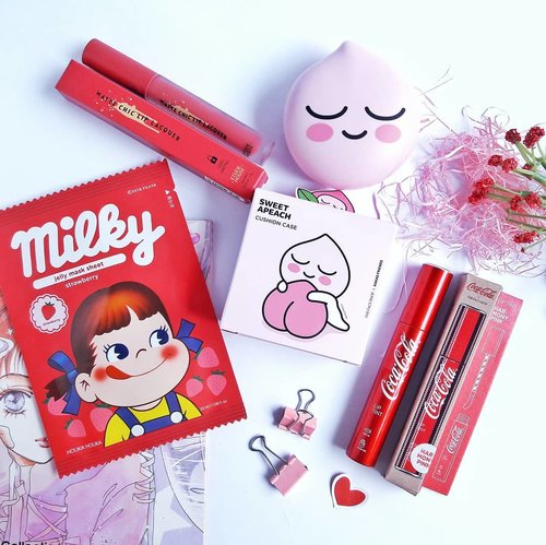 Yay, welcome home babies! 😙 ..~ Etude House Matte Chic Lip Lacquer in shade PK001 Rose Pink~ The Face Shop Coca Cola Lip Tint in shade 03 Harmony Pink~ The Face Shop x Kakao Friends Special Cushion Case - Sweet Apeach edition (finally! 😜)~ Holika Holika x Milky Peko Pure Essence Jelly Mask Sheet StrawberryThese cute babies are new released Kbeauty products (during March - May 2018). And I just realized that all are in pink and red! 😆Let's have fun! And kindly wait for the reviews and swatches 😉#makeup #skincare #kbeauty#thefaceshop #holikaholika #etudehouse #더페이스샵 #에뛰드하우스 #홀리카홀리카