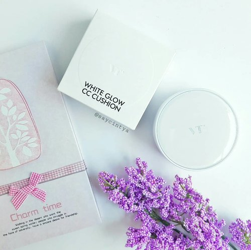 Have you ever tried this affordable CC cushion from VT Cosmetics?Since I felt in a big LOVE with their Collagen Pact, I came across to this bae as well. And I felt in love twice!The cushion case design is elegant and looks expensive but the size is bulky, though. The puff is something enjoyable to use.I got mine in shade 23 and the color matches my skin tone well. This @vtcosmetics_official White Glow CC Cushion provides a very natural glowy finish, second skin-like. The texture is watery and super lightweight. It hydrates my skin nicely and covers my pores (almost of them, the very big ones are exception). The down side is the coverage is pretty sheer. It's not that buildable too. It would be perfect if I had a flawless skin, lol.However, I must set it with concealer to get enough coverage.Anyway, I give it 4 stars out of 5. I don't mind about its sheer coverage as I use it for my daily super natural look and yass, it fulfills my liking ❤Oh oh, btw, they renewed the outer box with BTS photo!!! Check @vtcosmetics_official to get more info!!...#vtcosmetics #saycintyablog #ClozetteID #whiteglow #cccushion #브이티코스메틱 #VTXBTS #bts #방탄소년단