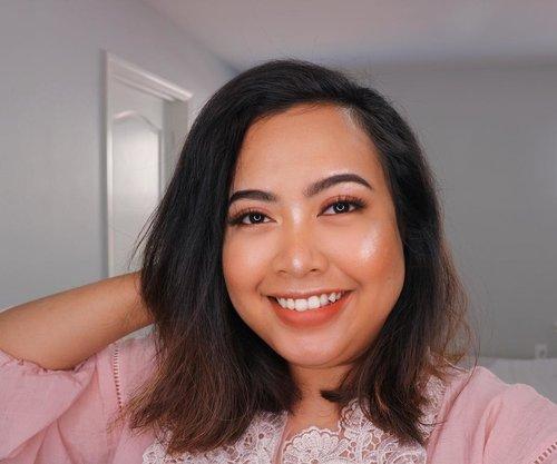 DUSTY PINK 💖👄👛 • • #bodypositive #bodypositivity #blogger #positivevibes #positivity #photooftheday #indonesianamerican #indoblogger #myself # #sociollablogger #sociolla #clozetteid #photooftheday #selfie #selca #makeup #makeuptutorial #skincare #makeupinspo #bunnyneedsmakeup