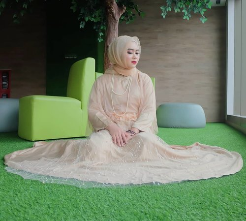 Udah senin ya? .Bobo lagi aja 🤭 😋😌 .Dress nya masih : @myfave.outfitHijab Organza dot in gold : @mahan.idMakeup by : @nuansa_diniPearl necklace : @tanganmanis#mahan #clozette #clozetter #clozettedaily #clozetteid #clozetteindonesia #vsco #terfujilah #fujifilm #gofujifilm #gofujifilm #vscocam #vsco #fujifilmxa2 #fujifilm_global #mahanxmyfave #tanganmanis @clozetteid #mahan #sensasionalfeeling #mahanwanderdiary #fujifilmxa2 #mahanxtanganmanis @tanganmanis