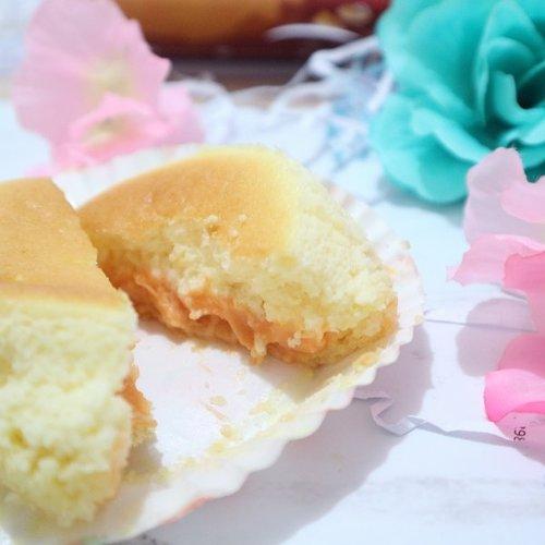 Posting makanan lagi ahhh. coba tebak ini varian @kibocheese yang rasa apa?cobain yuk, yang penasaran full reviewnya udah up di blog aku. psst ada tips cara makan kibo biar enaknya maksimal lhooolink on bio ya..#ClozetteID #Kibocheese #Kibomoltencheesecake #moltencheesecake #Clozetteid #ClozetteidReview.#white #flatlay #foodism #momblogger #food #gofood #gojek #cake #cheesecake #holiday #japanesecheesecake #moltencake #meltedcake