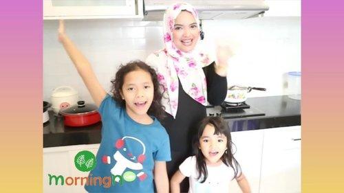 Happy long weekend mom, pagi-pagi gini, paling enak spend time sambil masak barang anak. Setuju gak?? Pagi ini aku, celina dan sepupunya Naya mau cobain masak pakai multi cooker kolaborasi bareng @sbsin.kor (yap SBS channelnya #runningman ini sudah ada di Indonesia) . Multi cooker ini menjawab semua kebutuhan kita para Ibu soal masak memasak. Kompor listrik dengan panas yang oke banget, membantu kita mengehemat pengeluaran. Coba deh hitung, beli kompor gas, beli gasnya sendiri (yang harganya terus naik), beli panci buat rebjs, panggangan, wajan, kukusan, slow cooker, deep fryerrr, wuihhh udah berapa costnya. Nah multicooker ini, bisa memasak dengan 8 cara masak. 8 IN 1!!!! Mulai dari kukus, goreng, panggang sampai slow cooking, bisa juga jd hotpot buat bikin shabu-shabu . Oiya multicooker ini juga memiliki temperatur yg mudah diatur mulai 70 hingga 220 derajat Celcius, tergantung masakan kita moms. Terdapat juga oil pan yang berguna untuk menghilangkan minyak berlebih (saturated fat) sehingga makanan jadi lebih sehat. Automatic shut off di multicooker ini membuatnya lebih safe, dengan sensor yang dapat mencegah terjadinya overheat. . So, tertarik buat beli dong pastinya?? Pantau terus channelnya @sbsin.kor yaaa . #momblogger #multicooker #mommyandme #video #korea #sbs #annisaramalia #weekend #weekendvibes #kids #instakids #ibu #anak #bloggerperempuan #lifestyle #lifestyleblogger #tipsibu #tipsanak #slowcooker #clozetteID #parenting #qualitytime #AlikaCelina