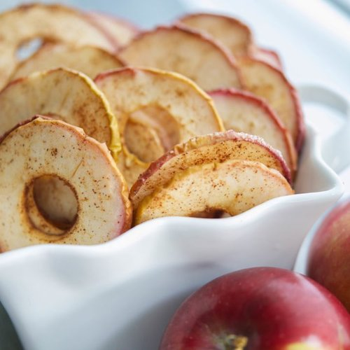 One apple a day, keep the germs away.  Chips apple Cinnamon and sugar. Yum💕  #ClozetteID #kidssnack #resepmpasi #resep #snackanak #homemade #cookies #AlikaCelina #parenting #mommyblogger #tips #foodporn #foodism