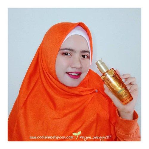 Biarpun pake hijab, buatku perawatan rambut juga perlu banget untuk diperhatikan. ..So selain pake shampoo & hair mask belakangan ini aku lagi rajin banget gunain Hair Oil Elseve Extraordinary Oil dari L'oreal Paris varian Rich perpaduan dr 6 jenis bunga seperti Lotus, Tiare, Rose, Flax, Chamomile & Sunflower...Produk ini berguna untuk melindungi setiap helaian rambut secara sempurna, membuat rambut lebih halus, bebas kusut & mudah saat diatur. Biarpun ini hair oil tapi texturnya sangat ringan & gak lengket sama sekali...Hair oil  ini dapat digunakan sebelum keramas, sebelum pengeringan, sebelum penataan rambut, sebelum tidur atau sebagai sentuhan akhir. Kalo aku pribadi prefer pake ini tiap malam sebelum tidur, aku olesin tipis tipis aja sih. Bangun pagi rambutku beneran jadi lebih lembut & harum...Nah...gimana ada yang udah nyobain hair oil yang satu ini?..#extraordinaryyou#gettheloook#lorealparis#lorealhair#hairoil#haircare#hijabhaircare#clozetteid#bloggirlsid