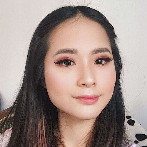"""Recreate this make up look by @cindercella to join #OLEHOLEHDARIMARUKlo kata maru""""eilenerku ga roto loh? Terus opo?""""..#makeupbynataldesi #clozetteid"""