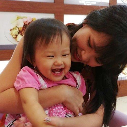 😍😍😘😘 #HappyMother #JosephineEloraWonoadi #ClozetteStar #ClozetteID #MyHappiness #MomAndDaughter