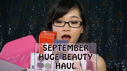 Yay, sebelum tidur aku mau nebar racun dulu nih 😁 hasil belanjaanku di bulan September ini. Untuk lengkapnya bisa tonton di channel youtubeku ya https://youtu.be/xVQAy8Pk-gI #beautyblogger #bloggerindonesia #clozettestar #clozetteid #haul #beautyhaul #AltheaKorea #skincarekorea #makeupkorea #gratefubeautyblog