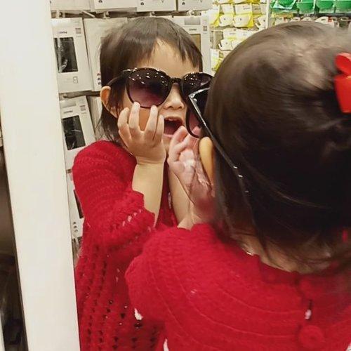 Terlalu sayang untuk dibuang 😂#mylittleprincess #littlegirl #cutebaby #mybabygirl #instatoday #ClozetteID