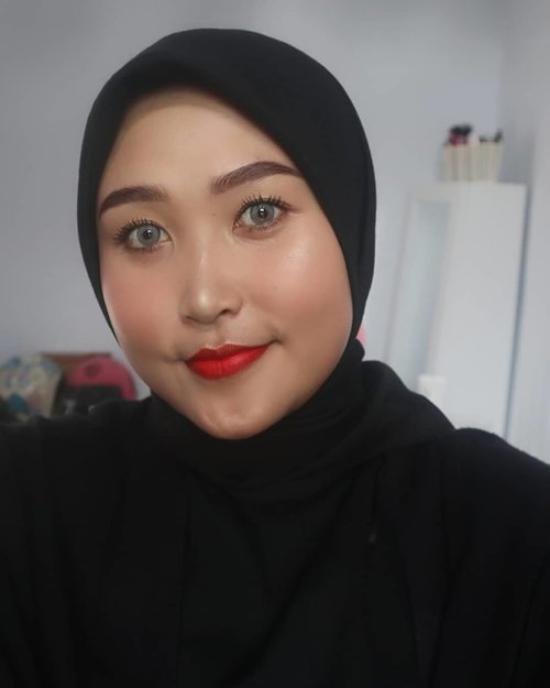 Tumben bgt alis gw on fleek✨ Tapi lupa, ini pakai produk apa🤔 Untuk lipstiknya pakai dari @shuuemura lupa juga nama shadenya apa🤭 nnti aku mau review detailnya di youtube channelku aja!  #AyundaHits #MakassarBeautyGram #IndoBeautyGram #MakassarBeautyBlogger #MakassarBeautyVlogger #BeautyInfluencerMakassar #BeautyEnthusiastMakassar #BeautyBloggerMakassar #BeautyVloggerMakassar #ClozetteID