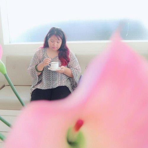 Beberapa waktu lalu aku berkesempatan mencoba treatment Radio Frequency di @klinikestetika Surabaya. Jujur aja, hasilnya bagus banget, kulit jadi lebih kencang, kenyal, halus, kerutan berkurang, glowy dan bahkan double chin kunjuga hilang 😁😁😁. Kalo mau tau lengkapnya bisa cek di blog aku ya. #sbybeautyblogger #SBBxKlinikEstetika #klinikestetikadokteraffandi #clozetteid #beauty  #makeup #makeupaddict #makeupjunkie #makeover #ClozetteID #beautyblogger #beauty #indonesian #bblogger #instamakeup #instabeauty #beautybloggerid #beautybloggersurabaya #surabayabeautyblogger #indonesian #radiofrequencytreatment #treatmentrf