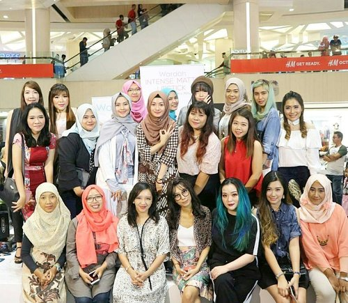 Throwback Wardah White Secret Series Launching Event di Surabayaaa. Rangkaian terbaru Wardah ini berfungsi untuk mengembalikan kulit sehat dan cerahmu. Bisa dipakai buat semua jenis kulit loh. Udah bisa didapatkan di gerai Wardah terdekat yah. 😍😍 #inirahasiaku #wardahwhitesecret #clozetteid #beauty  #makeup #makeupaddict #makeupjunkie #makeover #ClozetteID #beautyblogger #beauty #indonesian #bblogger #instamakeup #instabeautyeyr #beautybloggerid #beautybloggersurabaya #surabayabeautyblogger #indonesian #beautyevent  #beautytalkshow #talkshow #eventsurabaya