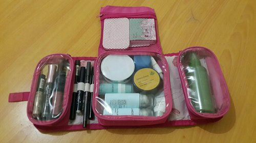 My Travel Make Up Pouch ^^ #Makeuppouch #TravelMakeuppouch #Makeup #skincare