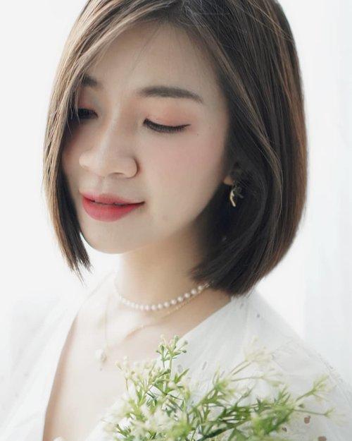 Happy valentine day ♥️♥️ Ini makeup aku untuk candle light dinner di abang pecel ayam di depan rumah, simpel kan ya?  ada acara valentine, bingung mau makeup bagaimana?  Mampir ke channel youtube aku ya ada contekan makeup simpel,link ada di bio aku  https://youtu.be/VnxbUbQVefg  #shantyhuang #beautyblogger #beauty #blogger #koreanmakeup #makeup #valentinemakeup #selfie #selca #happyvalentine #Clozetteid #Clozettedaily #instagood #instadaily