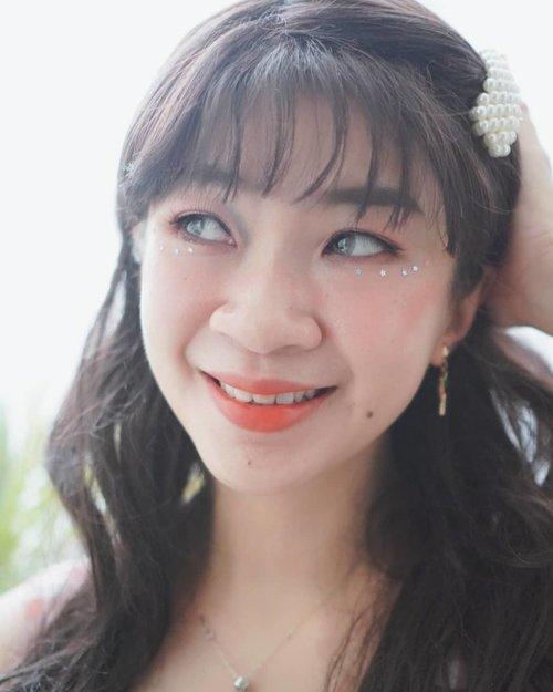 Happy weekend walaupun saya masih dirumah aza.. Tersenyumlah selama kamu masih punya gigi😂😂 #shantyhuang #beautyblogger #blogger #selfie #selca #Clozetteid #Clozettedaily #koreanmakeup #instagood