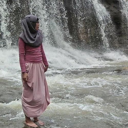 lets do what we love and do a lot of it -Marc Jacobs#clozetteid #clozette #hijab #hijabi #hijabfashion #fashion #modestfashion #fashionblogger #blogger #bloggerbabesid #lifeasblogger #lifeblogger #curugdengdeng #tasikmalaya #westjava #jawabarat #indonesia #indonesiabagus
