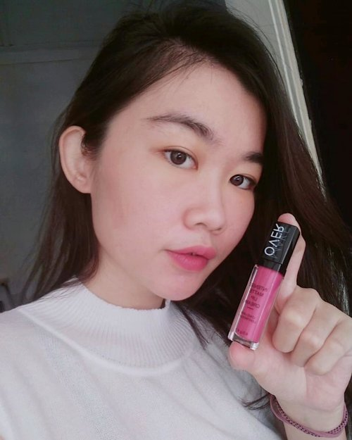 Been tried this lip matte from @makeoverid. I use Intense Matte Lip Cream 001 Lavish. Actually the color is so bright (it's fuschia I guess) but I wipes 2 times on tissue because I want my lips looks not too bright and yes even I wipes 2 times, it is still looks good and matte. Loveee it! ❤️-Some people said it looks nice on you and some people said don't but the most important thing is I like it and I feel confidence to use that kind of color. Don't try to impress anybody, just be yourself as long as you like it and feel confident, then go for it 😁-#MakeOverID #clozetteid #clozette